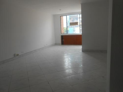 Local en Arriendo en Medellin cod. 4076