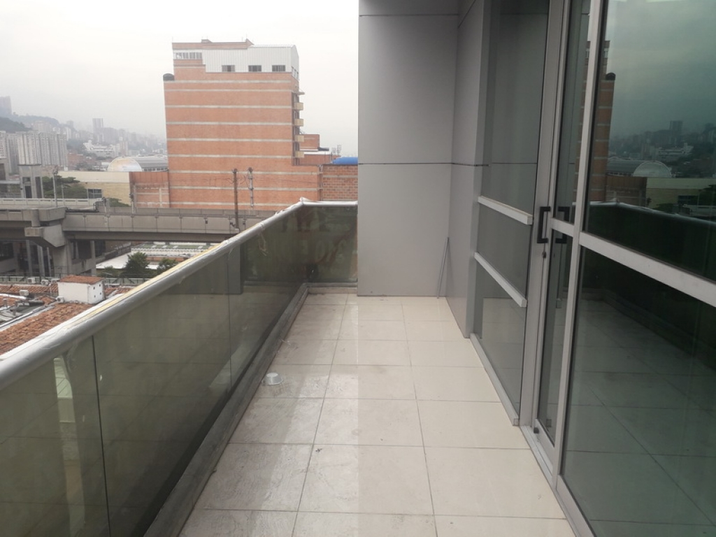 Oficina en Arriendo en Medellin cod. 5140